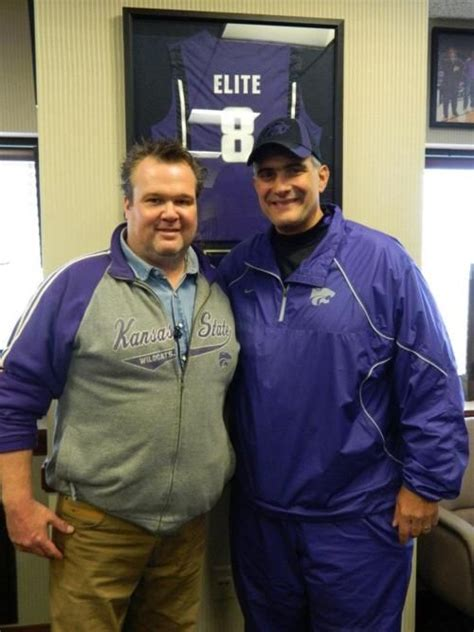 eric stonestreet football team eric stonestreet modern family with k state coach frank