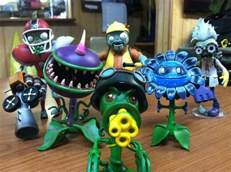 plants vs zombies garden warfare toys gift spotlight plants vs zombies garden warfare