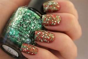 Red green gold christmas nail art designs ideas