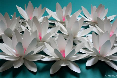 deco fleur en papier cr 233 ation de fleurs en papier n 233 nuphar pour une d 233 coration 233 v 233 nementielle fleur en papier
