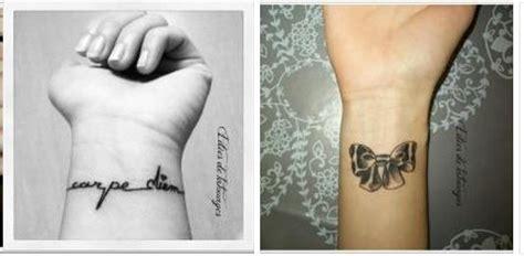 tatoauge sur le poignet phrase lacet noeud