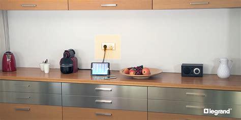 legrand cuisine installer une prise électrique avec chargeur usb