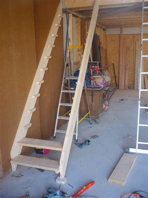 r 233 aliser un escalier simple en bois le de etienne et lila