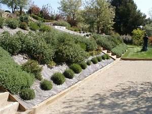 jardins paysagers entre porte de grande maison amricaine With charming idee amenagement jardin paysager 6 amenagement dun jardin en restanques aix jardin