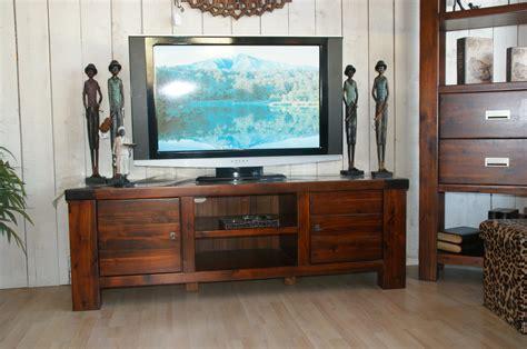 meubles et décoration de style exotique et colonial meuble tv bas style colonial
