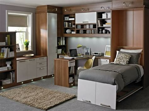 Design Bedroom Office Combo by Pin By Cindi Motis On Cindi Needs Some Storage Small Guest