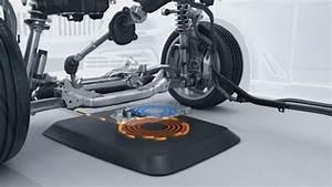 Handyhalterung Auto Wireless Charging : bmw develops pad to wirelessly charge electric cars news ~ Kayakingforconservation.com Haus und Dekorationen