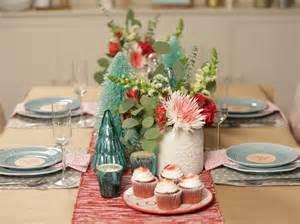Modern Christmas Table Settings