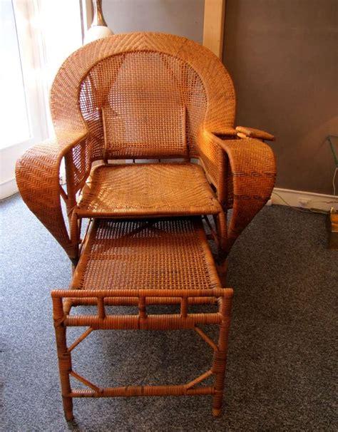 chaise longue en rotin ancienne beautiful 1930 39 s rattan chaise longue at 1stdibs