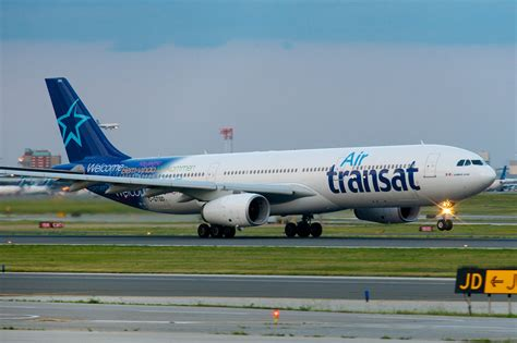 file air transat airbus a330 300 c gtsd 7432014712 jpg wikimedia commons