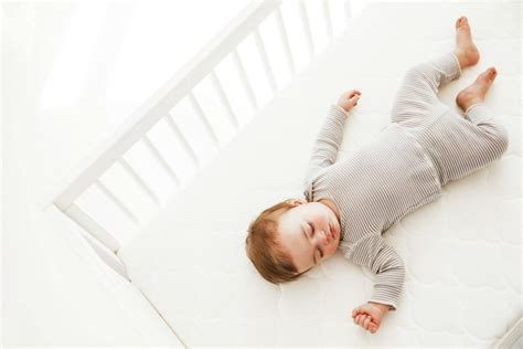 best baby mattress one of the best crib mattresses that helps parents sleep