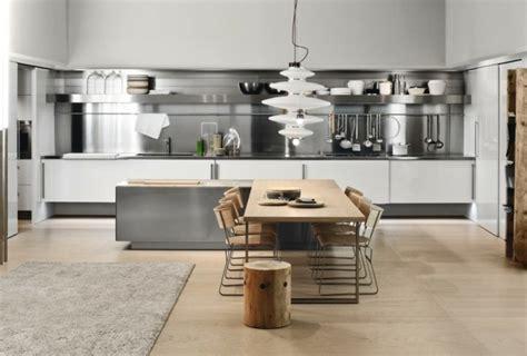 cuisine blanche et plan de travail noir cuisine blanche et inox idées et astuces en 90 photos