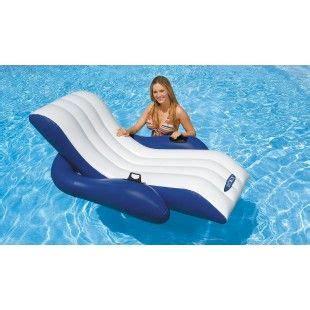 chaise longue gonflable pour piscine 10 best matelas pour piscine images on lounges