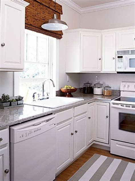 White Kitchen Cabinets And White Appliances