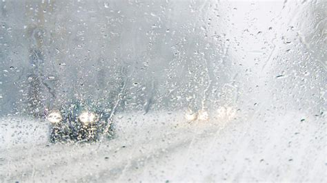 clear   foggy car windshield consumer reports