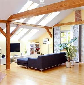 Einfaches Gemtliches Wohnzimmer Mit Tollen Holzbalken