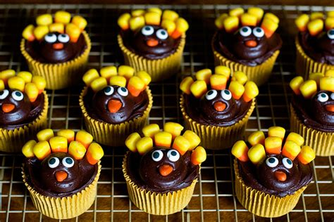 11 awesome cupcake decorating ideas pics