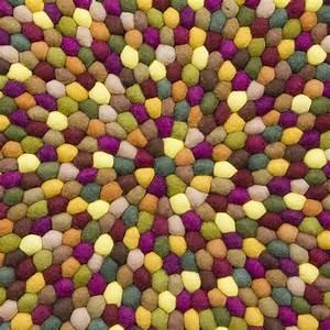 Teppich Filzen Anleitung : teppich aus filzkugeln stunning teppiche teppich filz cm ~ Lizthompson.info Haus und Dekorationen