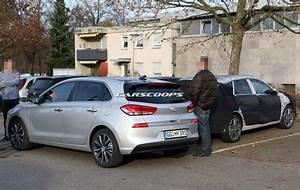 Hyundai I30 Cw : 2017 hyundai i30 cw spotted testing alongside golf variant rival carscoops ~ Medecine-chirurgie-esthetiques.com Avis de Voitures