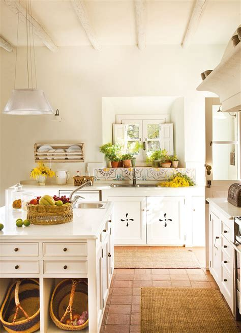 Farmhouse Country Kitchen {5 Take Away Tips}   The