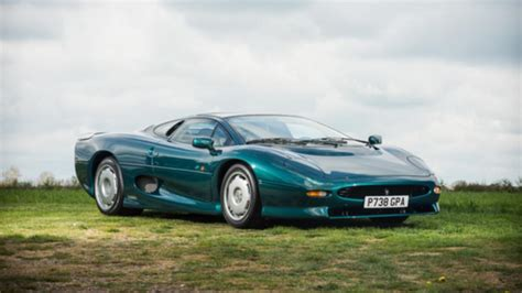 Buy this low-mile Jaguar XJ220! What could go wrong ...