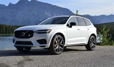 The xc60 is part of volvo's 60 series of automobiles, along with the s60, s60 cross country, v60, and v60 cross country. Volvo XC60 Facelift 2021 Colors, Release Date, Changes ...