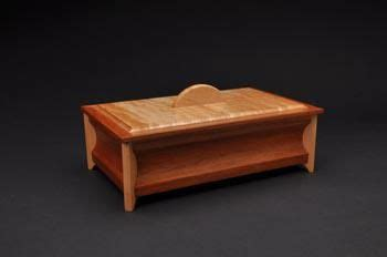 hand  sold small keepsake box   coors woodworking