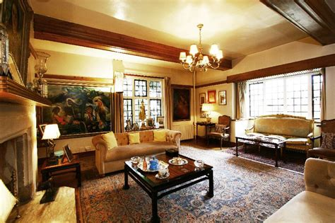 Interior Design Rugs: Hand Knotted Persian & Oriental