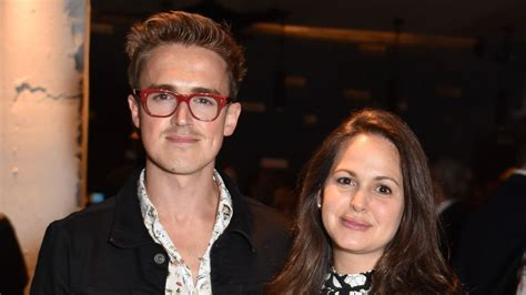 Tom Fletcher compared to Robbie Williams after isolation ...