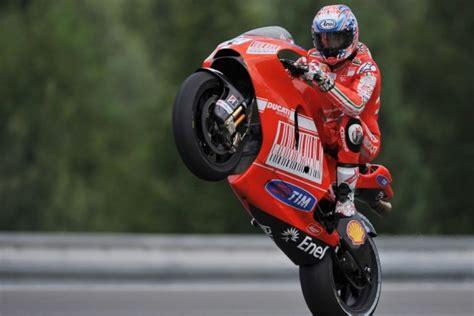 Longest Wheelie On A Motorcycle