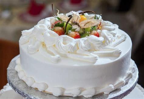 single tier white cream wedding cake  fresh