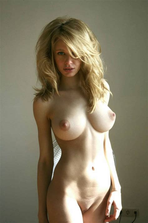 This Russian Girl Has Perfect Body And Amazing Big Boobs