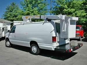 Ford E350 Bucket Van  2005    Bucket    Boom Trucks