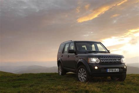 land rover wins awards for range rover evoque and land