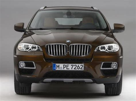 Suv That Holds Value by Luxury Compact Midsize Suv 7 Cars That Hold Their Value