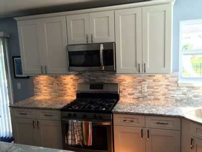 finding kitchen remodeling contractors