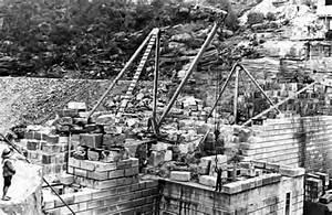 Cataract Dam Under Construction  C1905