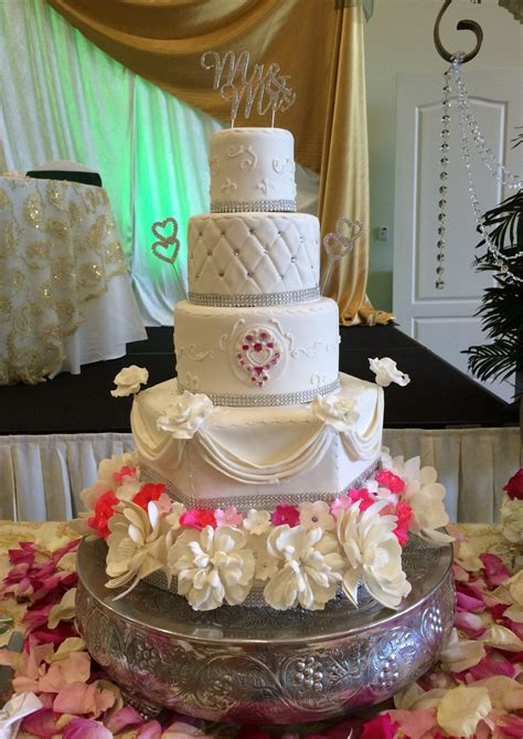 cakes  lara wedding cake boynton beach fl weddingwire