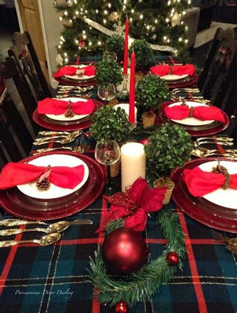 40+ Fabulous Christmas Tablescapes And Holiday Table