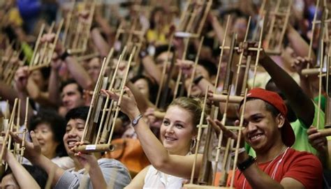 34 provinsi di indonesia beserta pakaiandocx. Tarian Tradisional Jawa Barat Beserta Penjelasannya - Aneka Seni dan Budaya