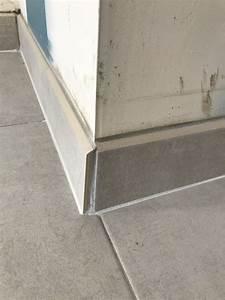 Pose De Plinthe Carrelage : avis et solutions sur plinthes carrelage angle sortant et baie vitr e 7 messages ~ Melissatoandfro.com Idées de Décoration