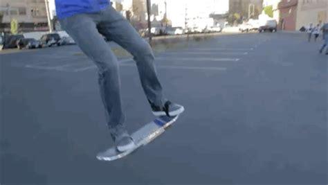 Skateboard Volante La Bufala Dello Skateboard Volante Di Ritorno Al Futuro