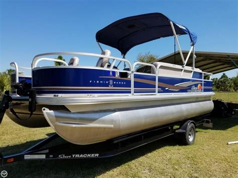 Tracker Pontoon Boats by 2014 Used Sun Tracker Fishin Barge 20 Dlx Pontoon Boat For