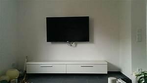 Tv In Ecke Hängen : tv lowboard zum h ngen interessante ideen f r die gestaltung eines raumes in ~ Indierocktalk.com Haus und Dekorationen
