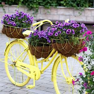 Garden Art - Creative ideas by Recycling - The Gardening Cook