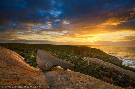 dramatic sunrise   remarkable rocks flinders chase