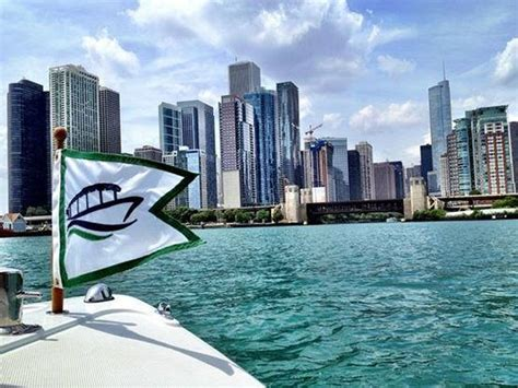 Cheap Boat Rentals Chicago by Chicago Electric Boat Company Il Top Tips Before You Go