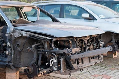 sfascia carrozze sfasciacarrozze recupero auto autodemolizioni piccinato