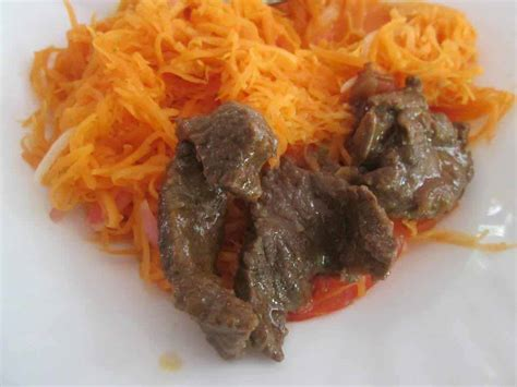 cuisine mobalba viande steak et achards carotte voyage à madagascar