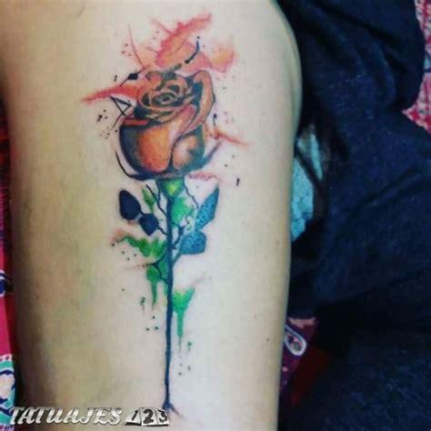 rosa acuarela tatuajes